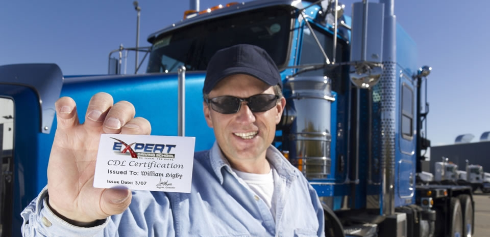 what are the minimum requirements for enrolling in a cdl training