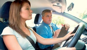Find the right driving instructor to learn how to drive.