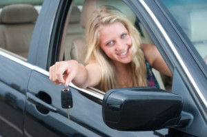 Learn the importance and benifits of enrolling the teens to a driving school