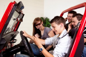 Learn How to Prevent From Distracted Driving