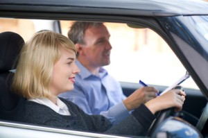 Learn a Simple Steps to Become a Driving Instructor